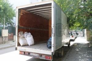 Извозва строителни отпадъци до сметище