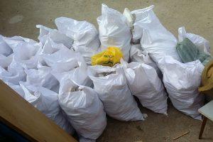 Извозване на чували със строителен отпадък в Пловдив